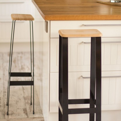 Tabouret de bar design ultra fin